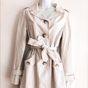 Ann Taylor Cream Trench Coat Small